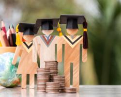 学費の支払い方法について説明する画像